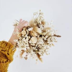 Petit bouquet fleurs séchées avec vase